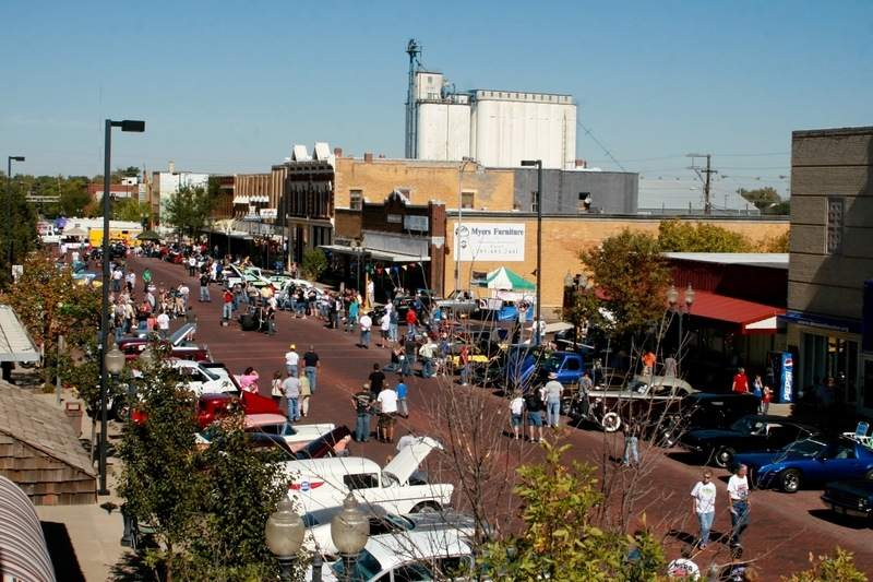 downtown-russell-festival